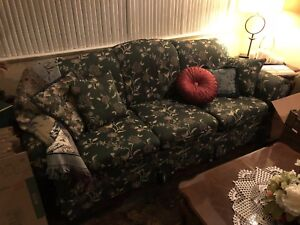 Sofa and loveseat floral combo