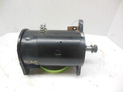 REBUILT FARMALL TRACTOR 6 VOLT GENERATOR DELCO REMY  SHORT SHAFT. 6-volt-generator