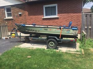 14ft boat w/ 6hp and trolling motor plus extras