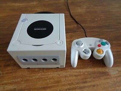Nintendo Gamecube Pearl White with controller for sale  Shipping to Nigeria