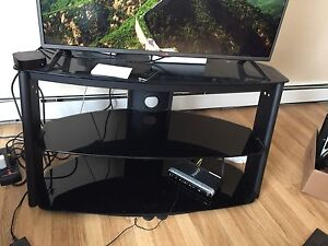 Great TV Stand/entertainment unit