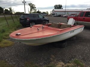 15ft PETERBOROUGH FURY WITH 40hp EVINRUDE FOR PARTS