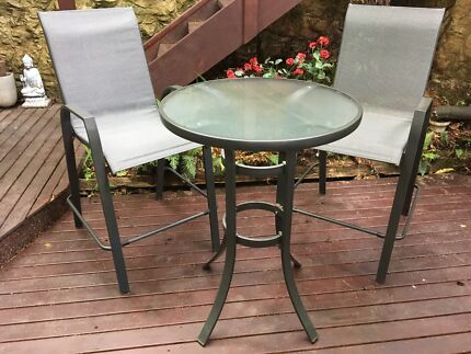Outdoor table & chairs 3-piece. Great condition