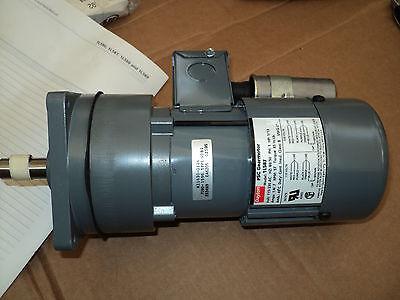 Dayton 1L556 5X400 115//230 VAC 1//14 HP 5.6 RPM Single Phase Gearmotor w// Brake