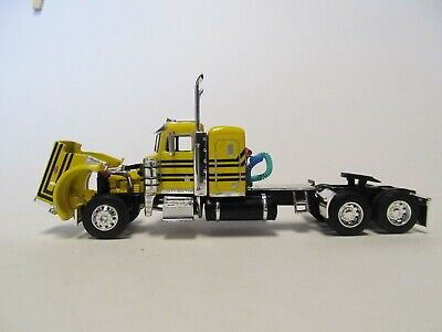DCP FIRST GEAR 1/64 SCALE 359 PETERBILT SMALL BUNK, YELLOW & BLACK 2