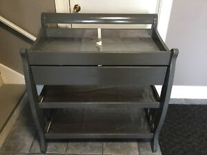 Change table $125 Pickup in Vienna.