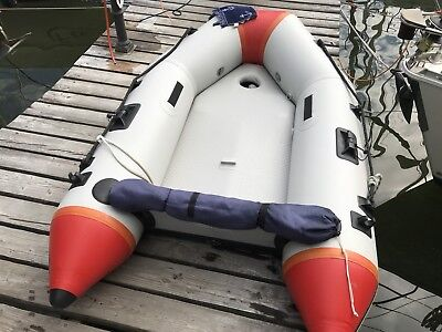 Schlauchboot mit Luftkiel und Luftboden