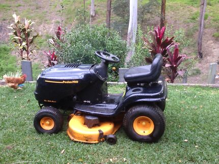 Poulan pro Ride on mower. Dayboro Pine Rivers Area Preview