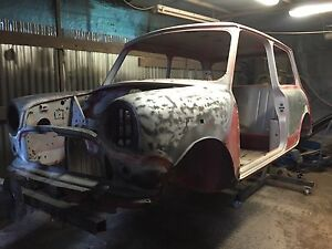 Classic Mini Clubman Cooper Chassis Rotisserie/ Rotating Jig + Free Dolly