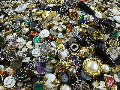 5 lbs POUNDS - 1,650+ OF BUTTONS GREAT ASSORTMENT  MANY 1 INCH AND ABOVE