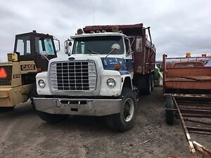 1985 Ford tri axle (REDUCED)