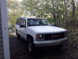 Gmc sierra 1993 305 1500 8 cylinder 5.0L 4x4. 3/4 ton suspension