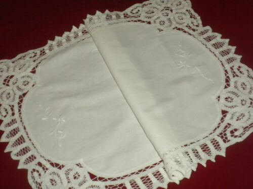 Vintage  White Cotton Brussels Lace Runner**Code:a342*