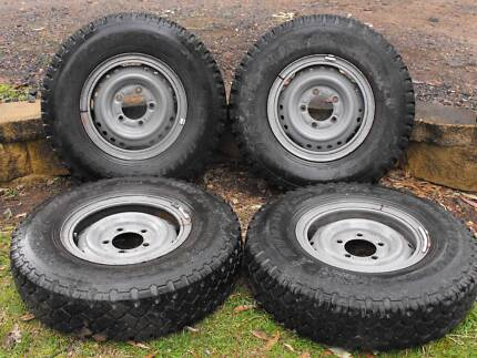 DUNLOP SP ROAD GRIPPER F SIZE 7.50 X R16 4 OFF TYRES WITH RIMS