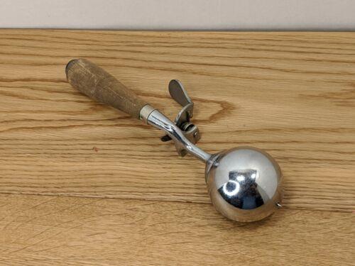 Antique Benedict Indestructo No.14 Wooden Handle Ice Cream Scoop