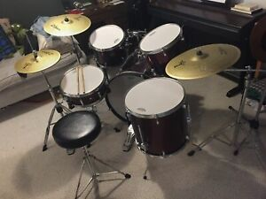 5 piece Mapex low volume kit w/ cymbals
