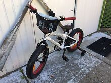 Brand new children's huffy Star Wars bike with training wheels Caves Beach Lake Macquarie Area Preview