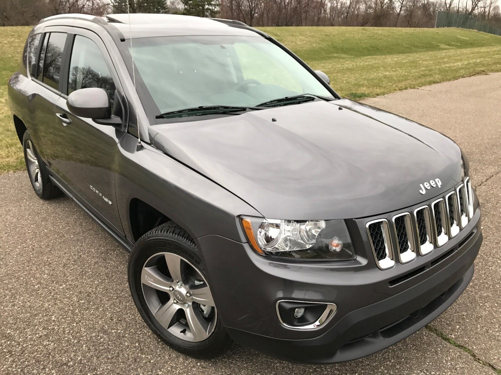2016 jeep compass high latitude no reserve used jeep compass for sale in dearborn. Black Bedroom Furniture Sets. Home Design Ideas