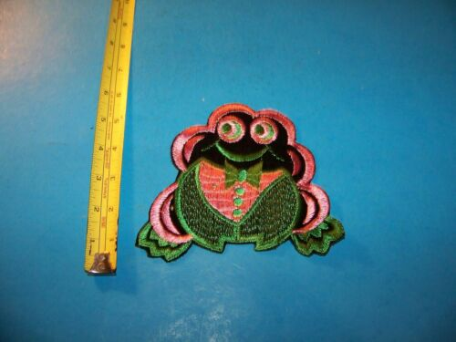 """Frog """"Pink & Green""""  Large Embroidered Patch  Vintage 1980"""