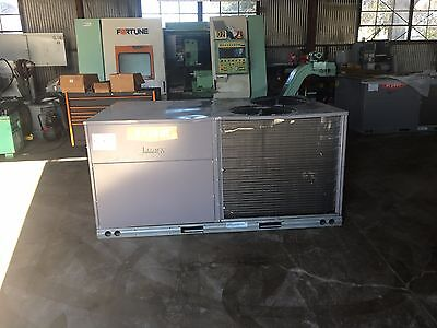 Bryant Gas heating electrical cooling 7.5  ton commercial RTU