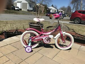 Bicyclette pour fille neuve