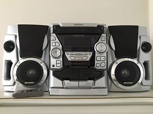 3-Disc Sharp stereo system with cassette deck