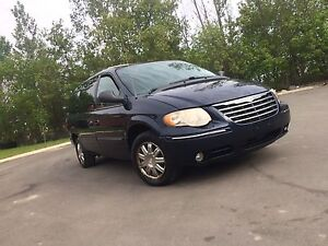 2005 town and country stow&go