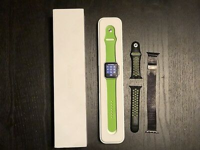 Apple Watch Sport 42mm Series 0 (Original) Aluminum Case w/box And Extra Bands