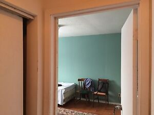 A beautiful room for rent  Available all included