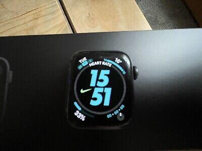 Apple Watch series 5 40mm Nike Original Box 2 Straps