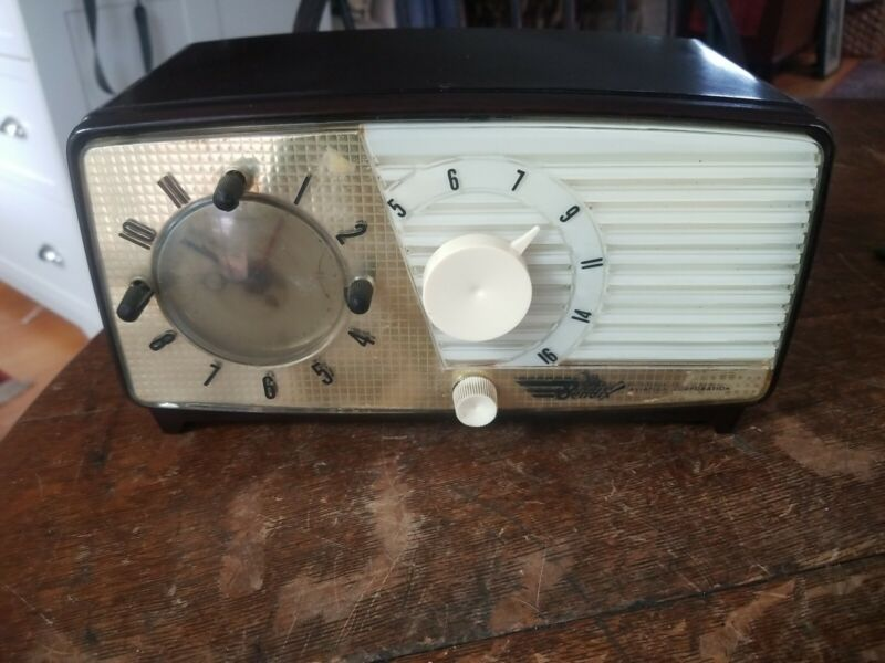 Vintage Bendix Aviation Corporation Model 853B Clock Radio For Restoration