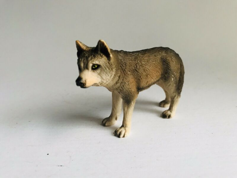 Schleich GREY WOLF FEMALE Wildlife figure 2002 Retired Wolves Rare