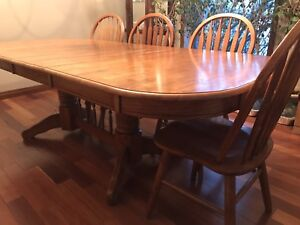 Solid oak double pedestal table and 6 chairs