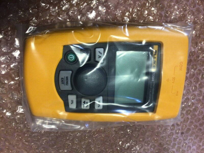 Fluke 709H Loop Calibrator w/ HART Brand New with case and leads