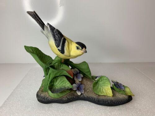 Boehm American Goldfinch Bird Figurine 400-39