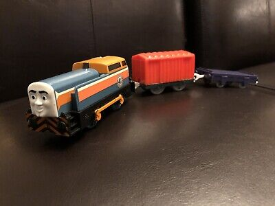 """Trackmaster """"Den At The DieselWorks"""" Thomas and Friends Motorized Diesel Set"""