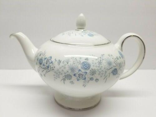 WEDGWOOD BELLE FLEUR TEAPOT BONE CHINA ENGLAND 4 CUPS PALE BLUE MCM