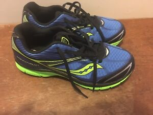 Never worn Boys size 4.5 Saucony Sneakers