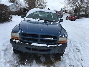 2003 dodge Dakota 4X4 5 speed standard 2 door