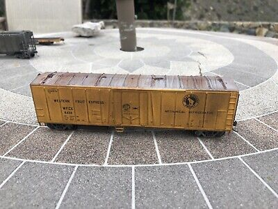 HO Scale Athearn RTR 50' Mechanical Reefer, Western Fruit Express GN -