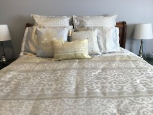 11 Piece Queen Size Bedding Set