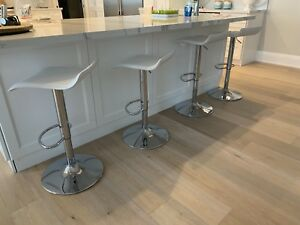 Swivel and adjustable Bar stools for sale