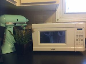Master Chef new white microwave