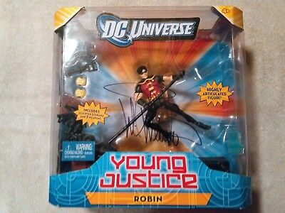 Young Justice ROBIN Figure DC Universe Classics Signed by Wil Wheaton ()