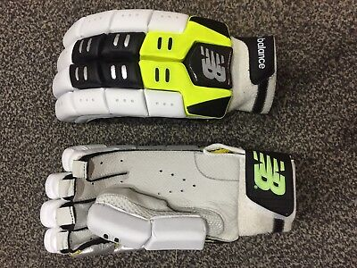 03ed9da391d Cricket Batting Gloves Right Handed Light Weight