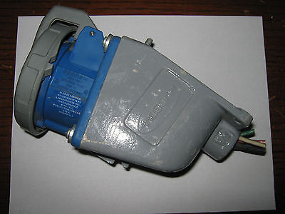 Hubbell Pin Sleeve Watertight Receptacle And Base 530r9w Used