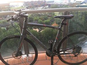 Merida Speeder 400 flat bar road bike