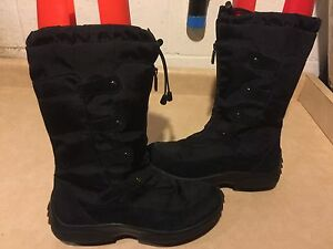Women's Cougar Winter Boots Size 11
