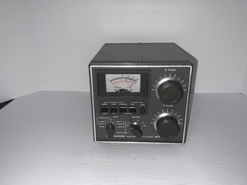 Kenwood AT-200 HF Antenna Tuner