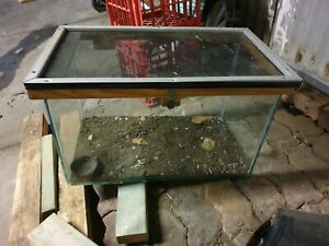 Free 1ft tank (cracked underneath suit reptile)